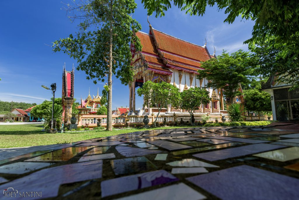 Relaxing spot on the shade of Na Klang temple in Phang Nga