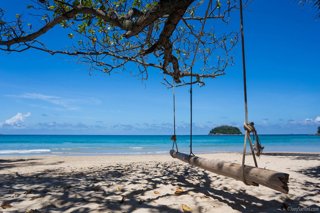 Large swing on the beach.